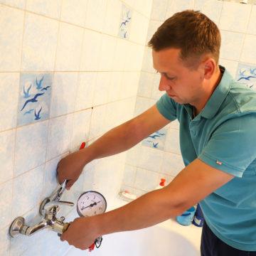 vorbereitung-druckprobe-badezimmer-lochfinder-andreas-milarch